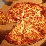 Una pizza como está para mi https://t.co/zYiG3rwGDF