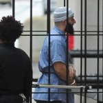 """Adnan Syed, of """"Serial"""" podcast, will get a new trial https://t.co/PF1NEF27U9 https://t.co/iX6pbZSEXA"""