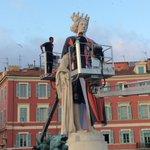 Et voici la nouvelle recrue de l@ogcnice pour lancer la campagne dabonnements. Un Apollon en rouge et noir à Nice. https://t.co/n5FFlF62cb