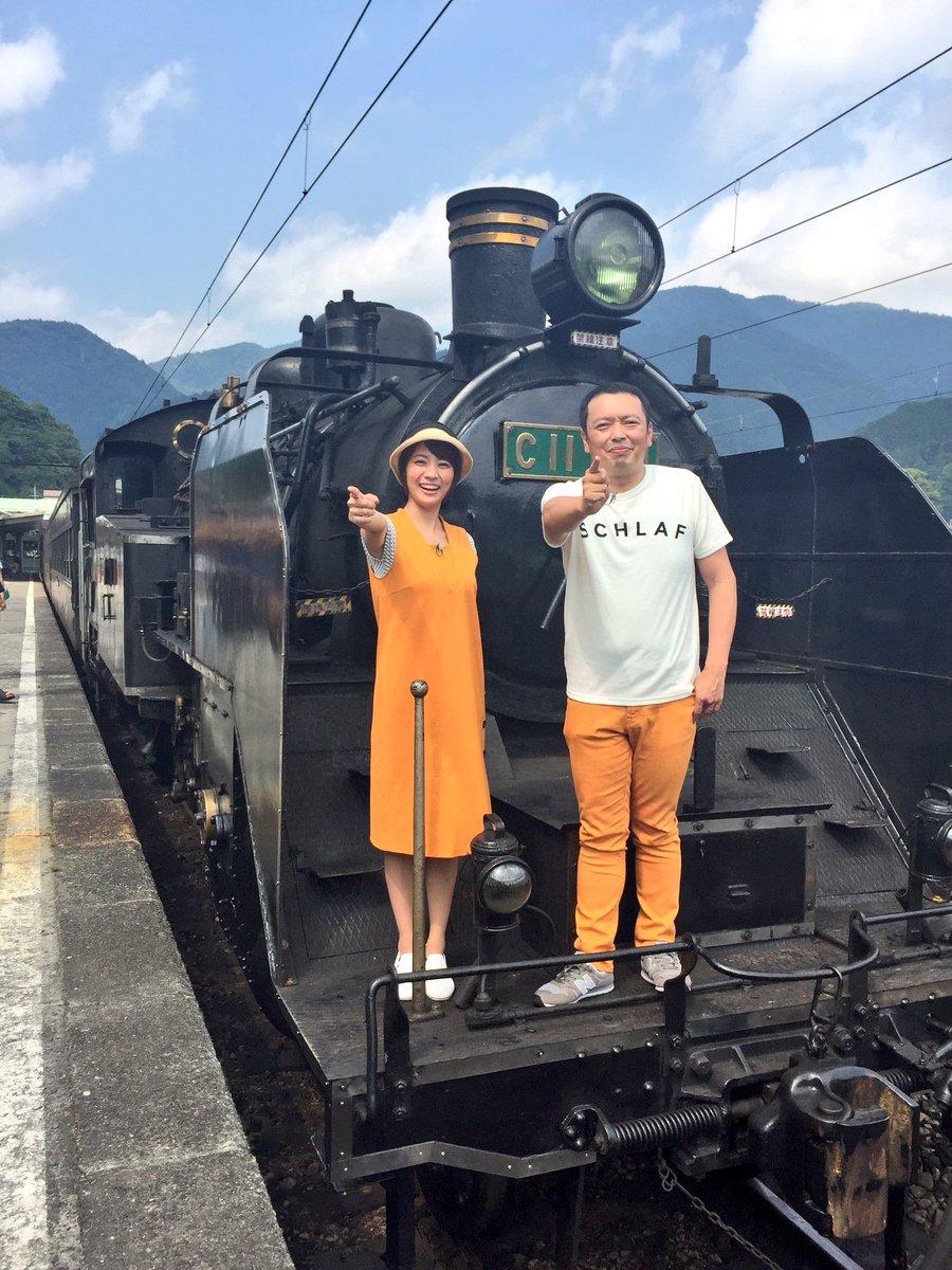 中川家・礼二さんとご一緒しました。偶然衣装が近鉄カラーで被った(笑) https://t.co/zCRBsZq2ug