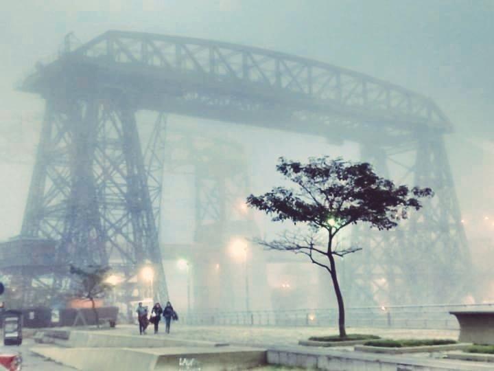 No es otra foto de niebla. Es la realidad imitando a Quinquela, con  ojos de hoy https://t.co/3UKkFSxUEO