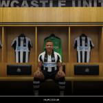FACTFILE: Everything you need to know about our new striker, @dwightgayle ???? https://t.co/9b2nJ6Qk2Q #GayleForce https://t.co/gjQQ03GvPr
