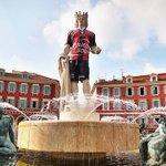 ⚽ LApollon de la place Masséna à #Nice06 en tenue de l #OGCNice ! ➡ https://t.co/WBx7SadOY4 ????⚫ https://t.co/urQyRE0634