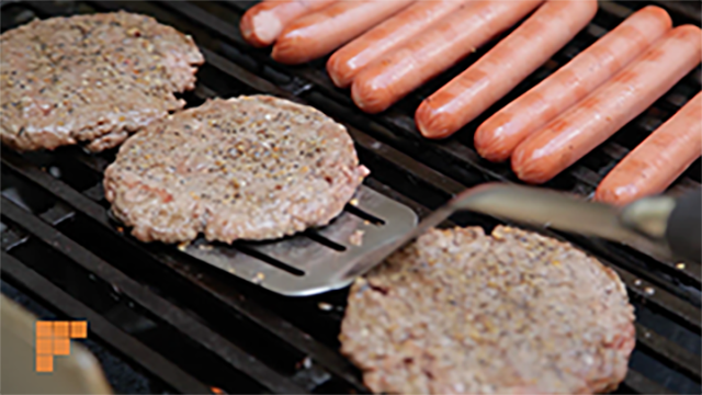 If you're planning a grill out, we have tips to prevent foodborne illnesses & keep you safe. https://t.co/zzvBE3cCk0 https://t.co/VqTl8thg0G