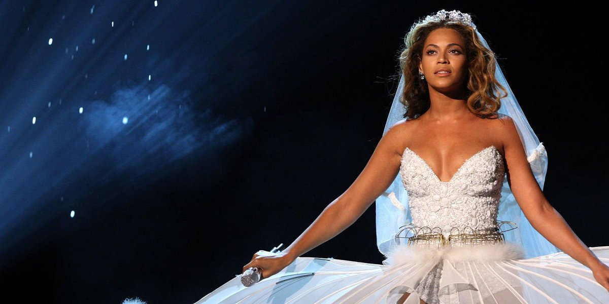 Beyoncé hated the wedding dress her mum designed for her... just a ...