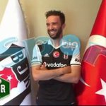 Gökhan Gönül, #Beşiktaş formasını giydi ve pozunu verdi. https://t.co/iTfYY3pwXy