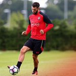 Nice to be back out on the pitch today 🔴⚪️ @SouthamptonFC https://t.co/TKSOHzsn36
