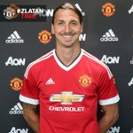 Zlatan Ibrahimovic wearing the Manchester United home shirt. #MUFC #ZlatanTime https://t.co/zxfXQrZKGD