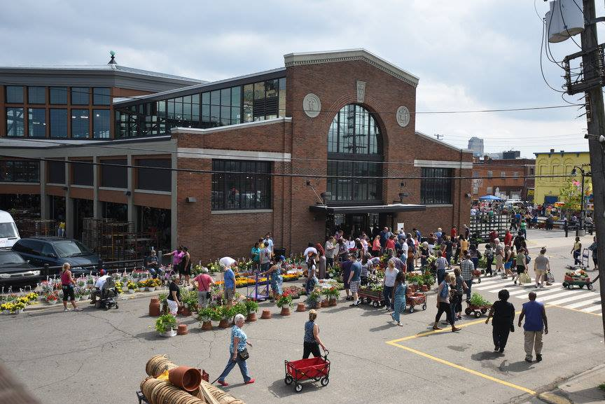 #FactFriday: #EasternMkt sees up to 200 vendors with 80,000 visitors on a single Saturday in prime season. https://t.co/HncAhloDg6