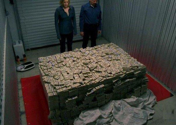 Если бы мне вернули деньги, которые я потратил на всякую херню https://t.co/LG2M0Drmyn