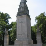 The Cenotaph in Watts Park. Unveiled in 1920 to remember the #Southampton men & women who died during WW1. https://t.co/nj86bAohWY