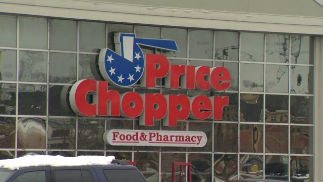 Price Chopper losing 3,000 products from shelves over GMO law- @AlexApple_ reports https://t.co/JUQ5xBtnlP #vt #btv https://t.co/22lv1t2NrF