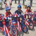 Kidical Mass is tmrw! Join #SantaMonica families at 9a at #DouglasPark for a bike ride for kids of all ages! #GoSaMo https://t.co/pGQ1bjvKZK