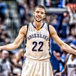 RT to welcome Chandler Parsons to Memphis!???? https://t.co/5ZYhF43nGz