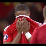 Le lacrime del capitano Ashley Williams. Con questa vittoria il Galles è entrato nella storia! #GallesBelgio https://t.co/VnyrhRX9Dc