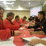Miembros del Directorio firmanvsu adhesión a la campaña #MásRojo #ElCuencaMásTuyoQueNunca https://t.co/wTOmNYSe0K