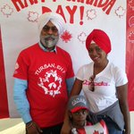 Canadians celebrated Canada day wearing turbans. Great turn out #turbanehyyc #CanadaDay2016#canadiansikhs #sikhpride https://t.co/VYdimuEgRq