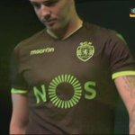 A camisola alternativa do @Sporting_CP para 16/17 #GalaHonoris https://t.co/q5cUM0YCp0