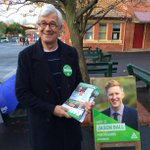 So honoured to have my role model @JulianBurnside handing out How to Vote cards for me in Higgins today.  #ausvotes https://t.co/O7iiA8EkOJ