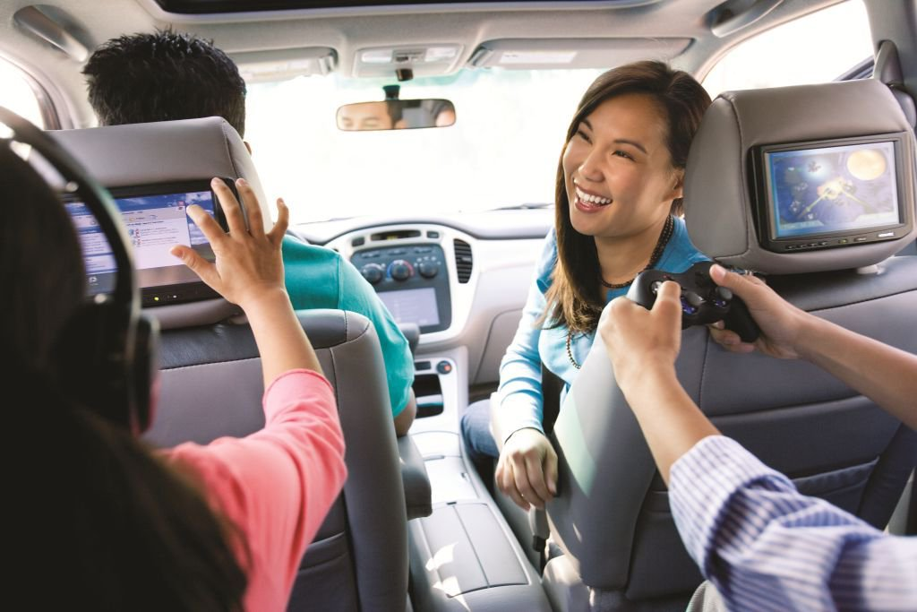 """""""Are we there yet?"""" How to survive a road trip with kids. https://t.co/gPHpFPXcdd #parenting #travel #advice https://t.co/ERsYrceMTy"""