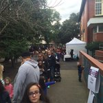 Line stretching out the gate at #Hampton Primary School as voters wait their turn... #ausvotes #election #7News https://t.co/qHNwAfPrCR