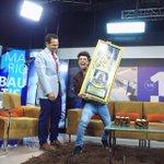 Mario Bautista arrasa con disco de oro https://t.co/7uSBsHUG31 @mariobautista_ https://t.co/6SC2JVVeUE