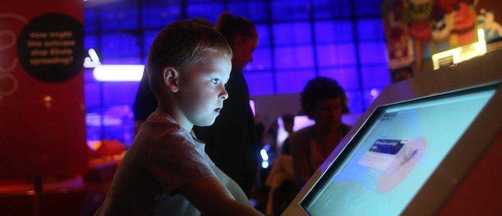 Reading: 8 digital skills we must teach our children — World Economic Forum https://t.co/qQNTYpRArf #coetail #eduro https://t.co/6aLnTWOl8f