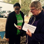 Volunteer Leslyn discusses #Gonski with voters in #Deakin @igiveagonski #ImVotingGonski @VicUnions #ausvotes https://t.co/oZfiSj3Le7