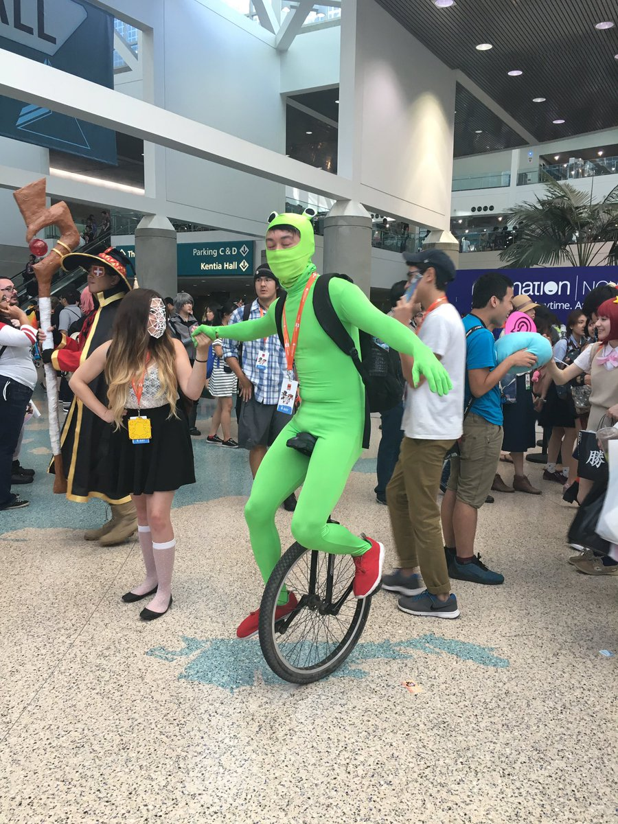 Bumped into Dat Boi at AX https://t.co/LIGqDnAMic