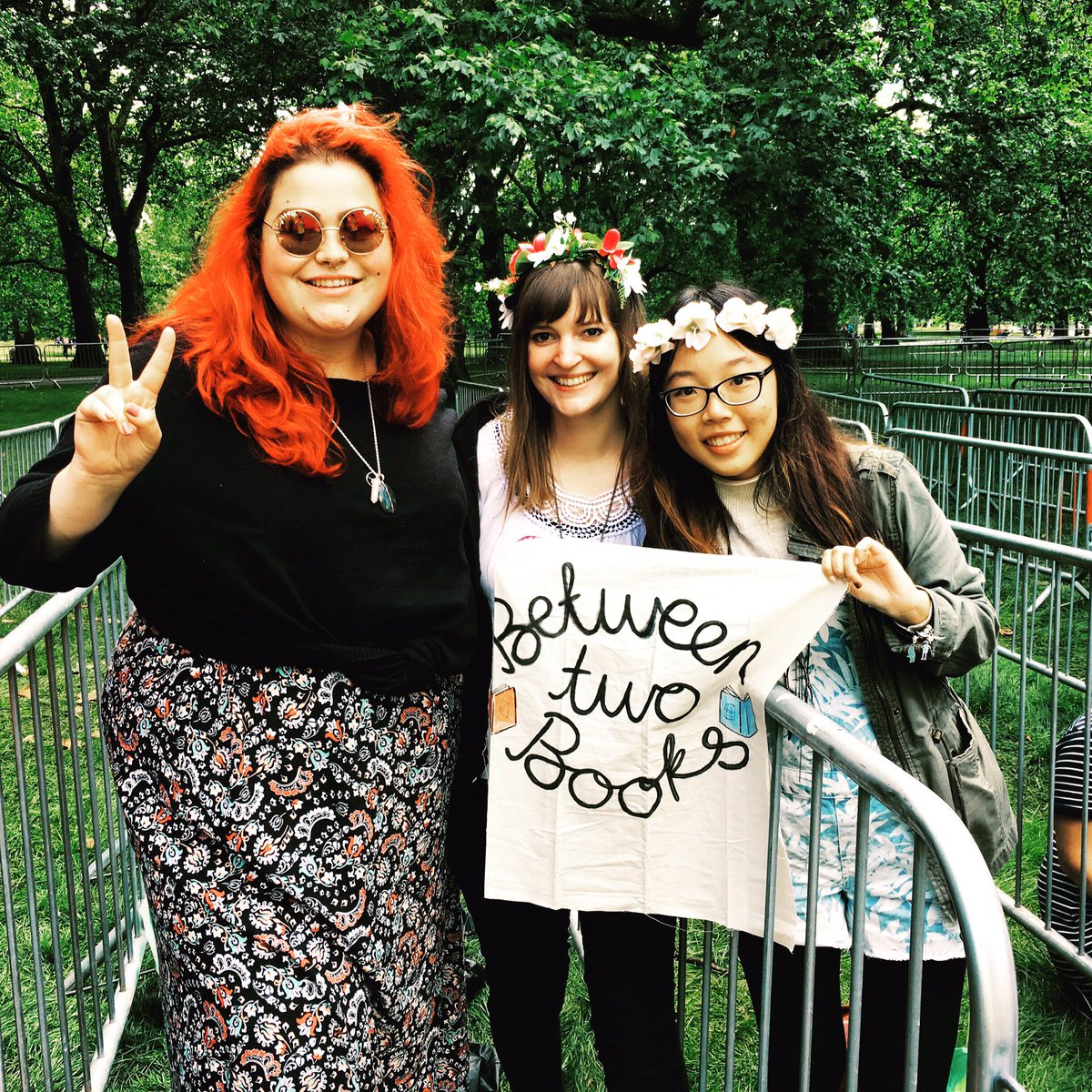 Reppin @BetweenTwoBooks in the priority queue for @flo_tweet at BST!! https://t.co/Wdlys5Abft