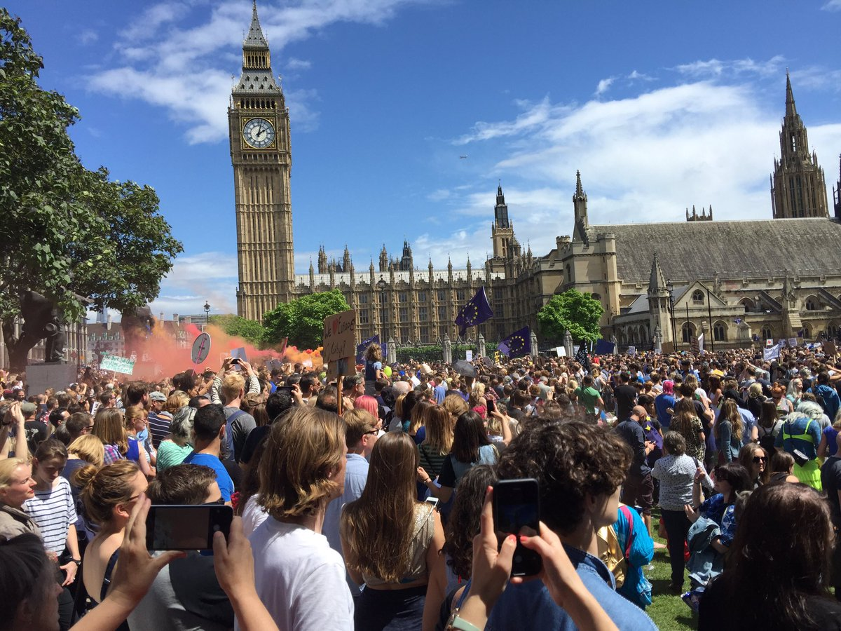 "Dear @BBCNews it was not ""several thousand"" it was at least 40-50,000 marching #marchforeurope https://t.co/nacm6AZBGv"