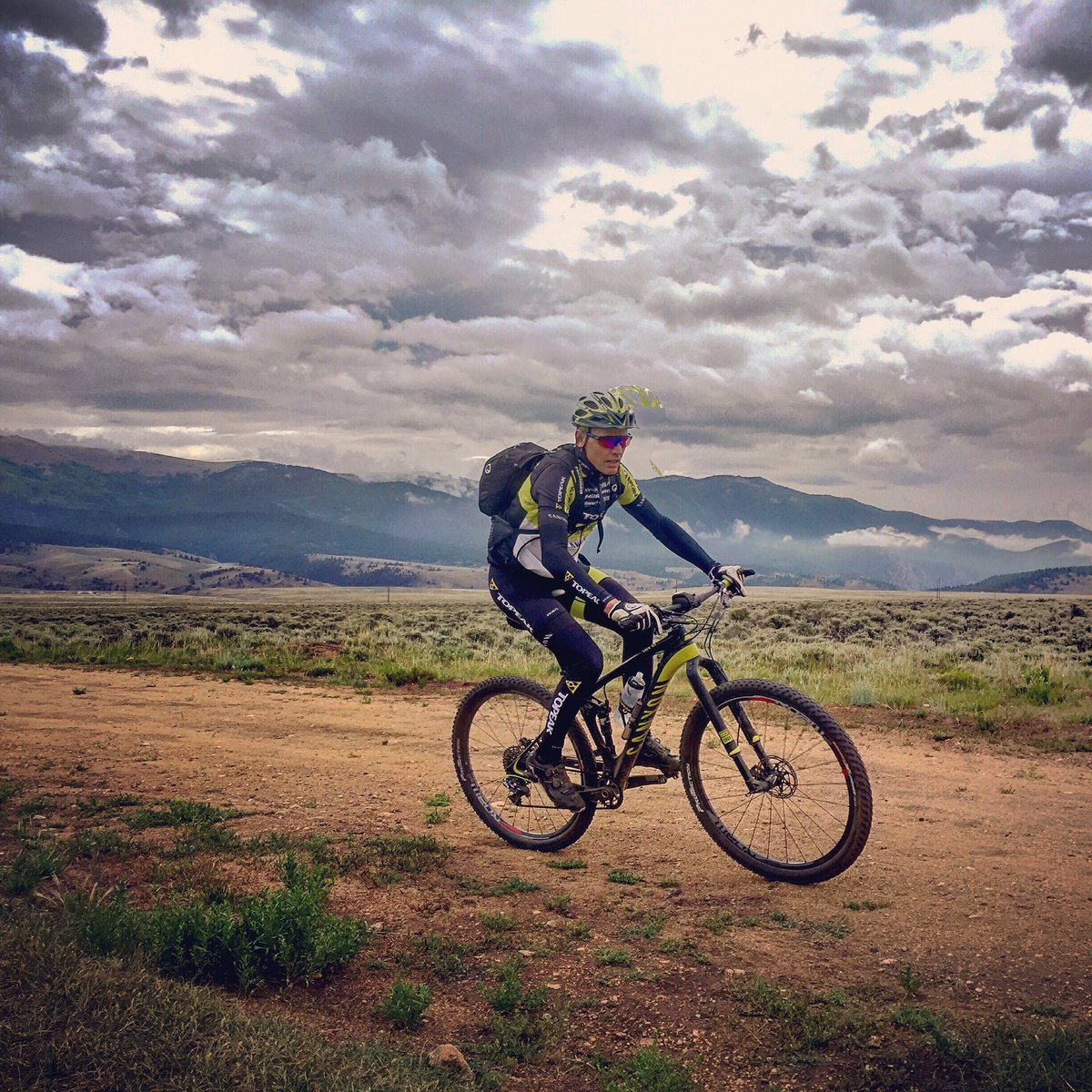 Dodging storms on the Leadville Trail 100 course during the LRS Camp of Champions. Photo by Craig Martin #ergonbike https://t.co/U4dOdppPfF