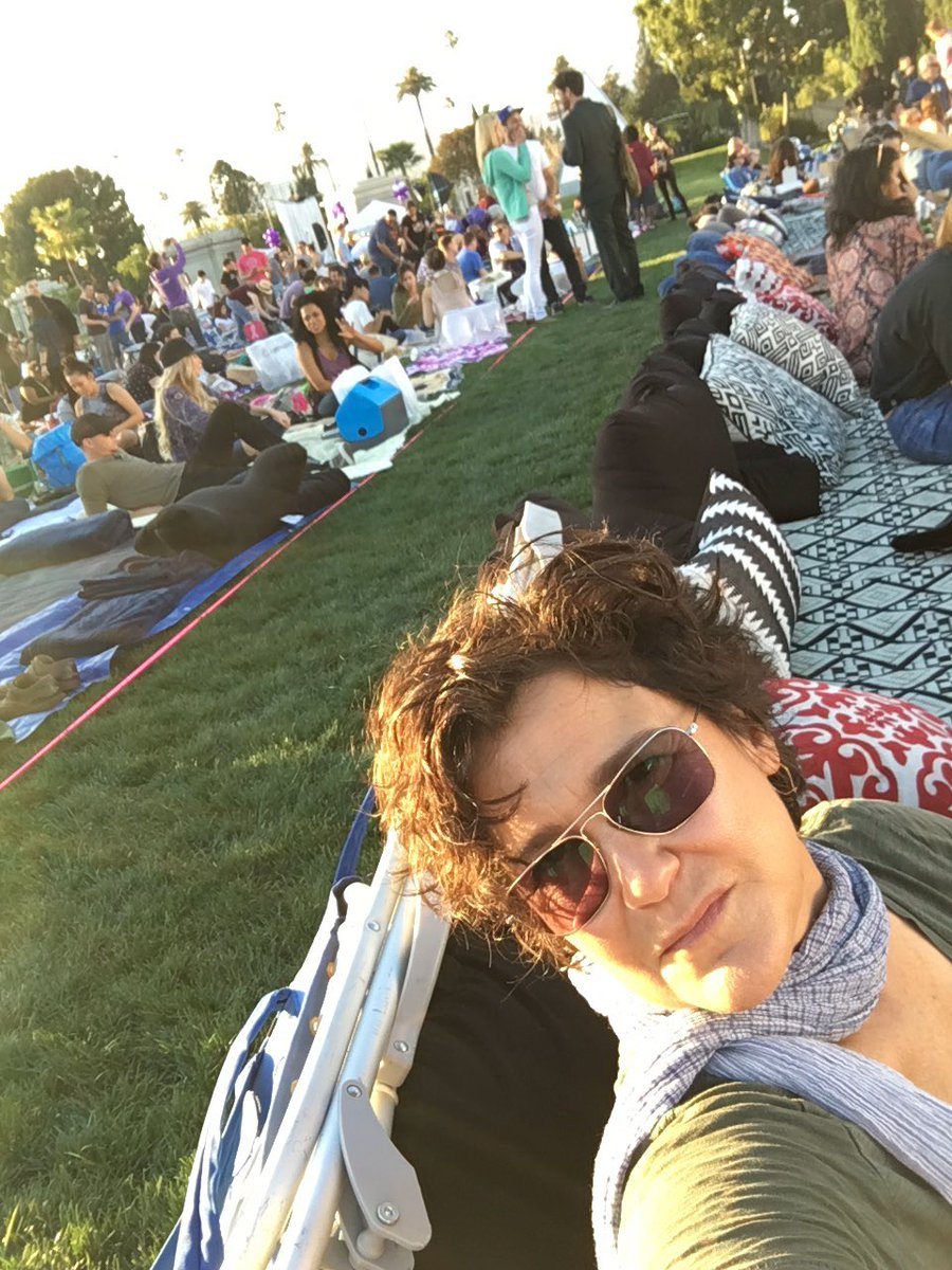 Hollywood cemetery. I'm here right now. Getting ready for purple rain. Questlove is DJ'ing and I'm blessed. https://t.co/iNynlXyzaM