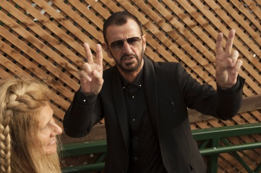 Ringo Starr praises UK's decision to leave the EU, saying it's the only way to get Britain back on its ``own feet'' https://t.co/liJYXIkqac