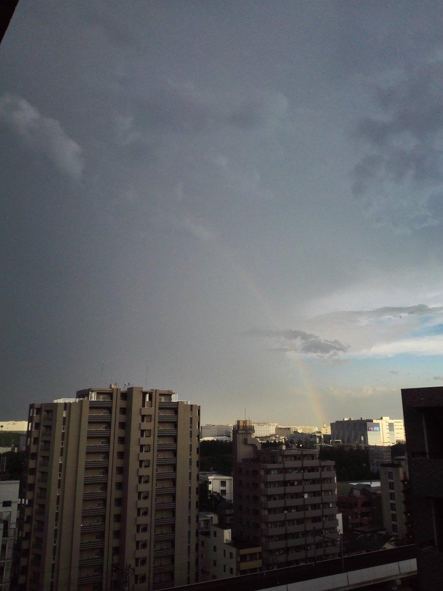 羽田空港から伸びる虹 https://t.co/S3F7Kgwkz5