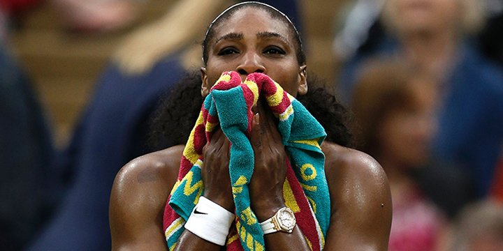 Serena Williams fined $10,000 for smashing racket at Wimbledon: