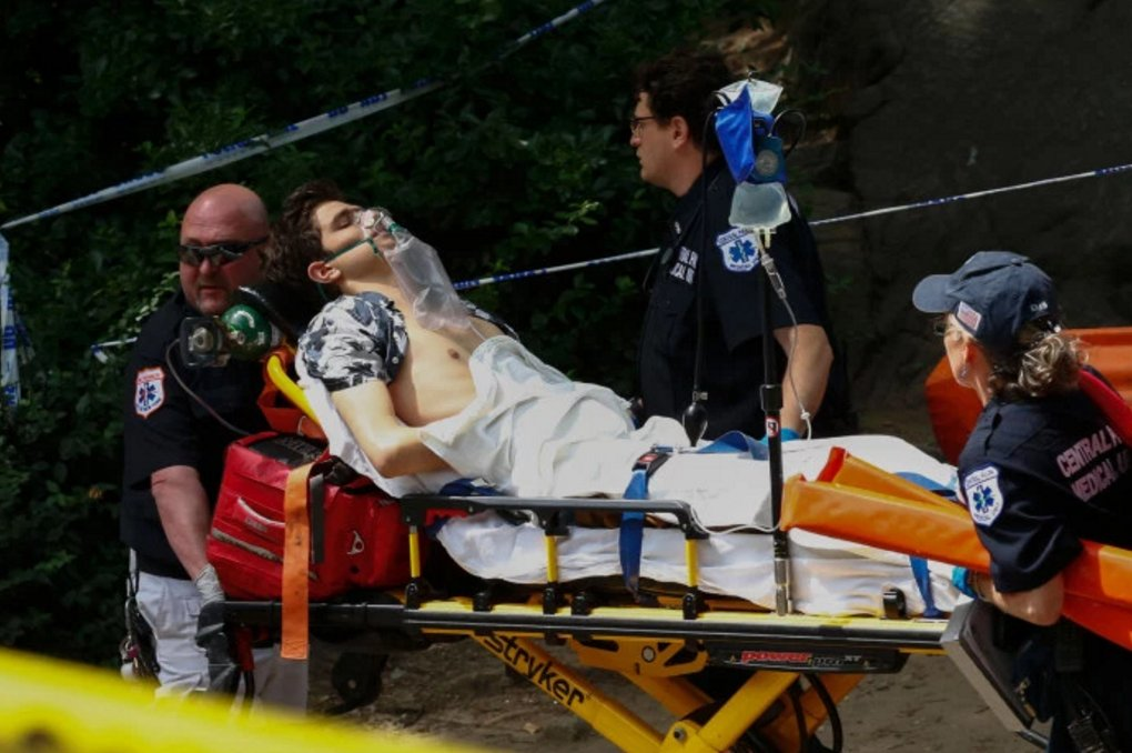 """NY Police now blame """"homemade fireworks"""" for explosion that maimed Central Park tourist. https://t.co/kFq8Dqxe05 https://t.co/s8oYPXLXSK"""