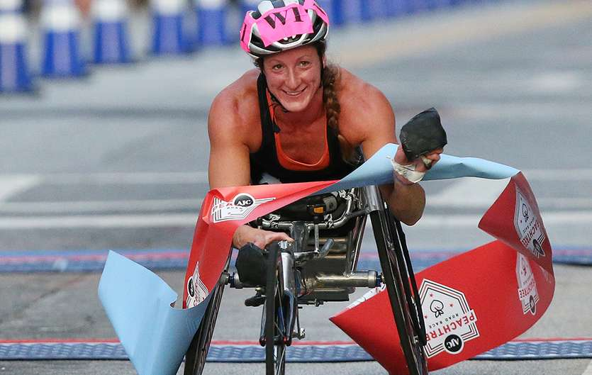 Congrats to Tatyana McFadden, repeat winner of the women's wheelchair division of #ajcprr! https://t.co/E0fmIDWgWy https://t.co/MSdcUEZbYH