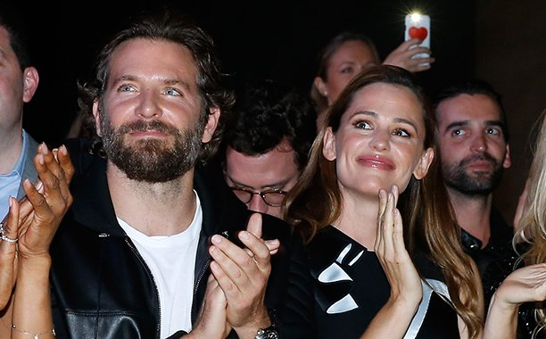 Jennifer Garner and Bradley Cooper had an adorable 'Alias' reunion!