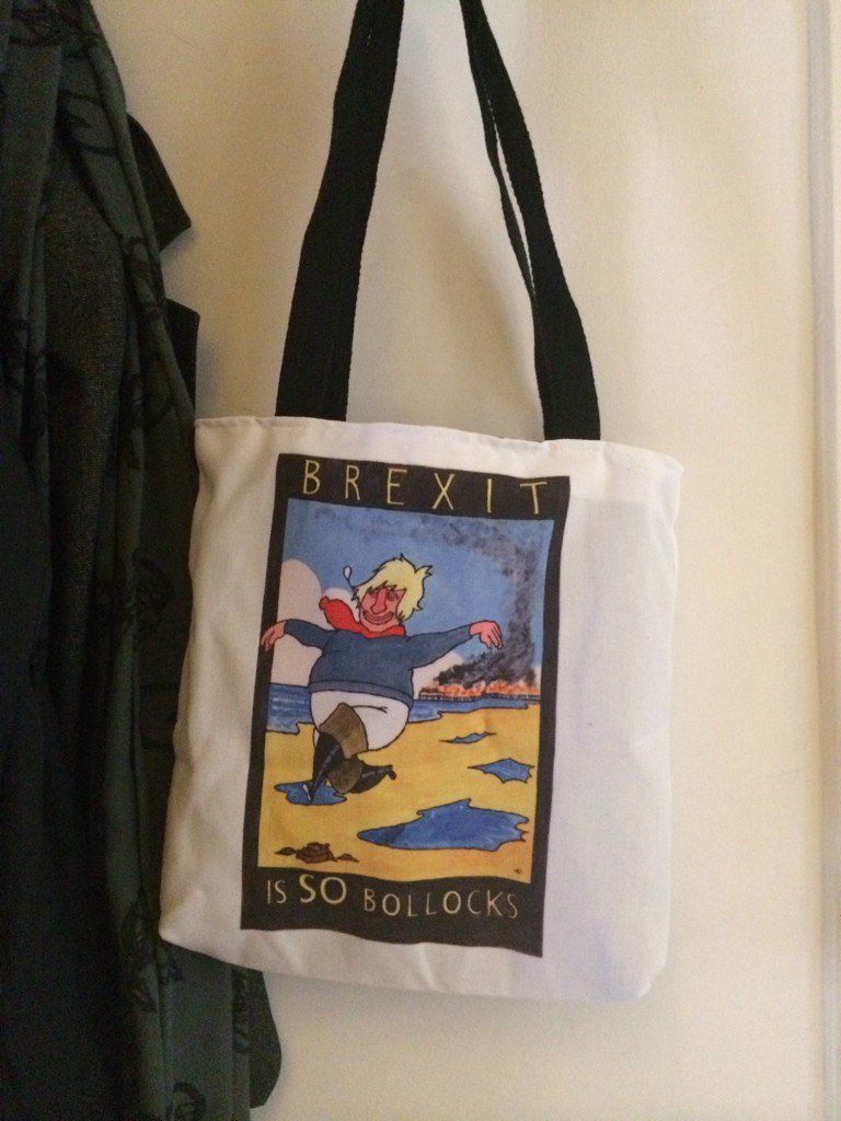 Express your yawning despondency and dread in style with this jaunty tote bag from @dotmund #accessories #despair https://t.co/mnaI9gLVrw