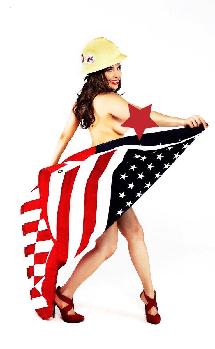 Good morning + #happy4thofjuly 🎉😊 #HappyBirthdayAmerica The land of the #Underboob 😋 #4thOfJuly #IndependenceDay