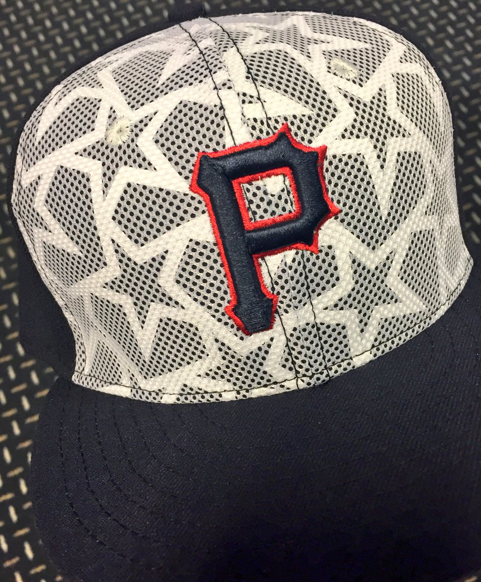 RETWEET THIS NOW for a chance to win one of our #FourthofJuly hats!