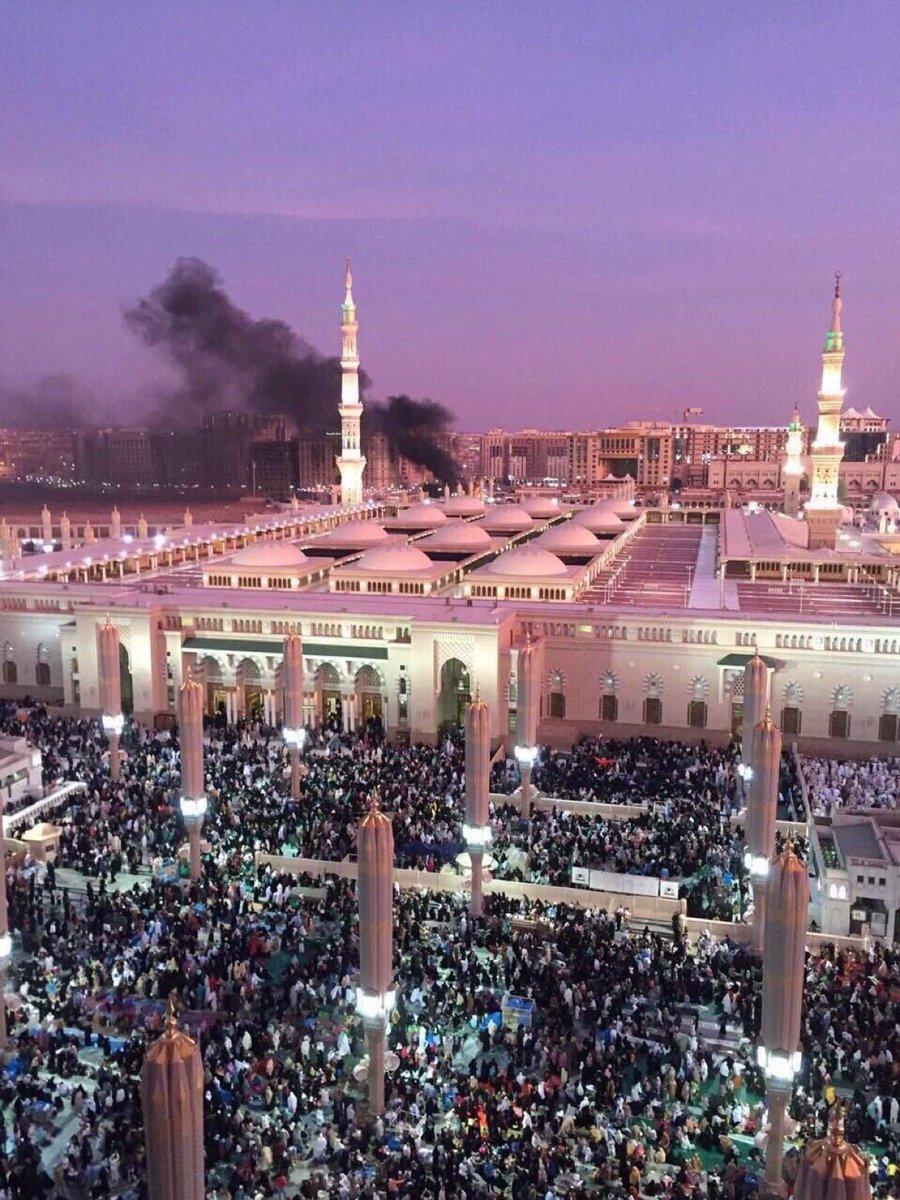 مرضى يصنعون أفراحهم في كل عيد على أشلاء المسلمين ومآسيهم  #تفجير_المدينه_المنوره #تفجير_القطيف #تفجير_جدة https://t.co/jXI7OKzgxV