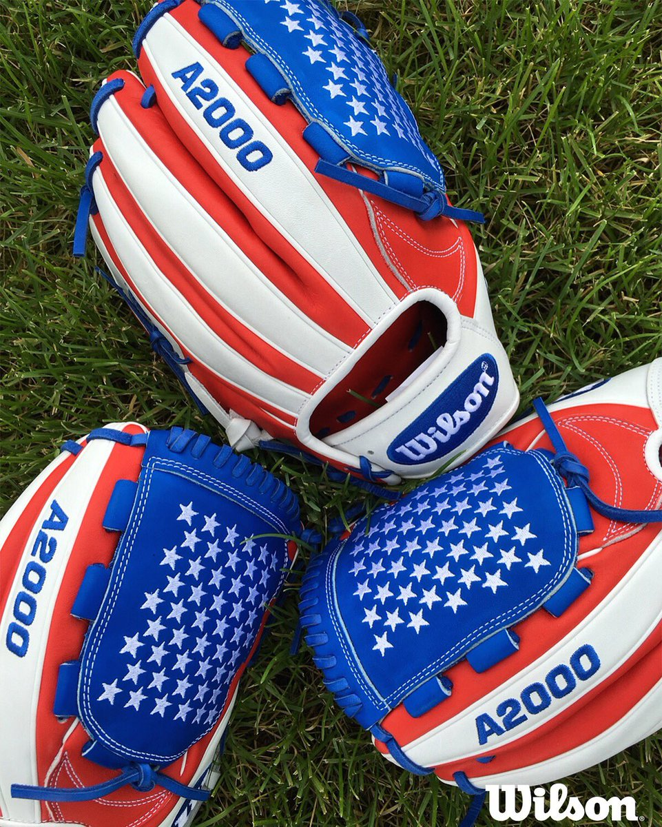 Can we help you throw the ball around in 4th of July style? RT w/ #TeamWilson for shot to win an Old Glory A2000 B2. https://t.co/FII3yiO3ip