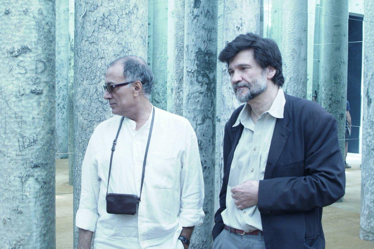 """Triste pérdida la de #Kiarostami, en la foto con Víctor Erice en su intervención """"Forest without leaves"""" en La Casa. https://t.co/2HjqNGhbDU"""