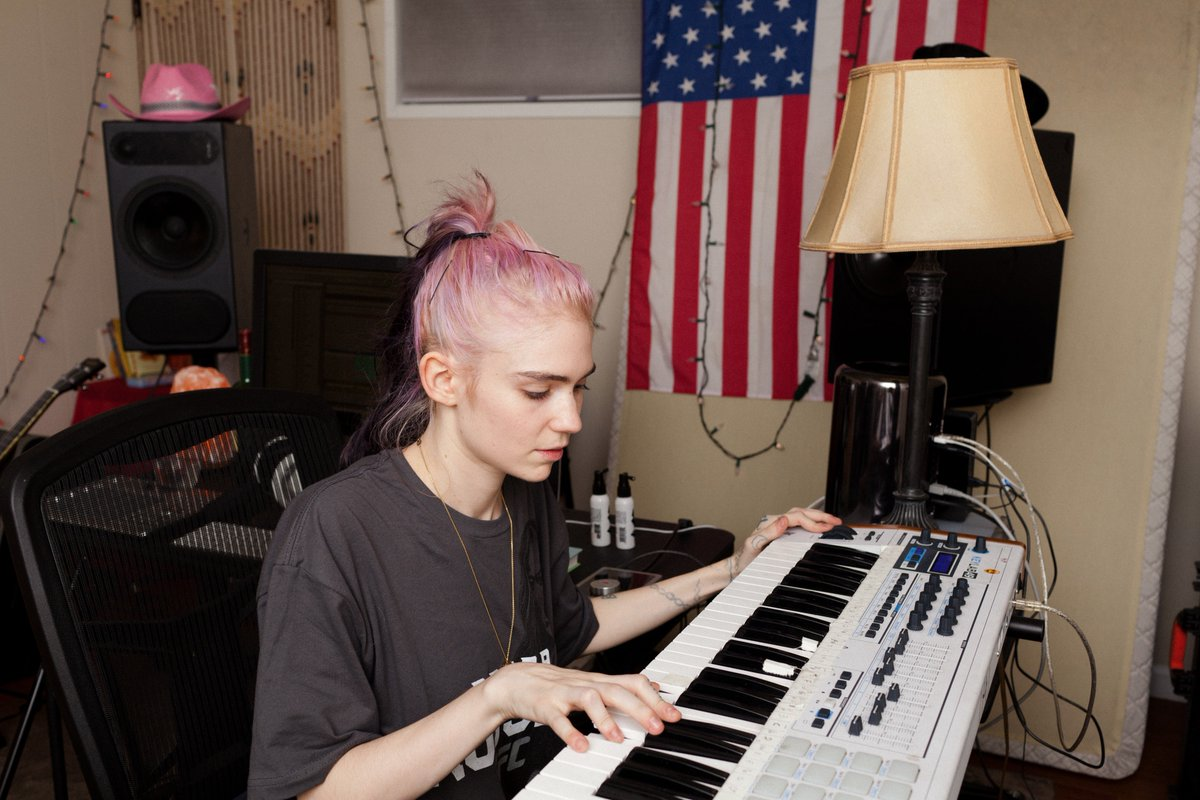 We caught up with Grimes to find out her studio techniques & musical inspirations https://t.co/n5sXqpM70y @Grimezsz https://t.co/PDjlcymh5c