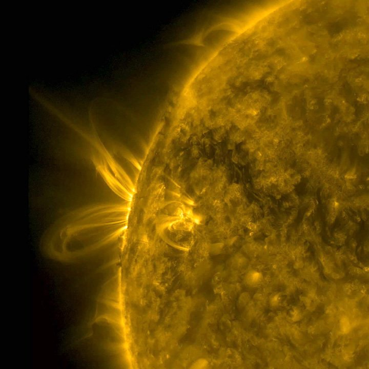 This week's SDO gallery entry https://t.co/tKO0Yjp2Jp https://t.co/qbRVS8MOm6