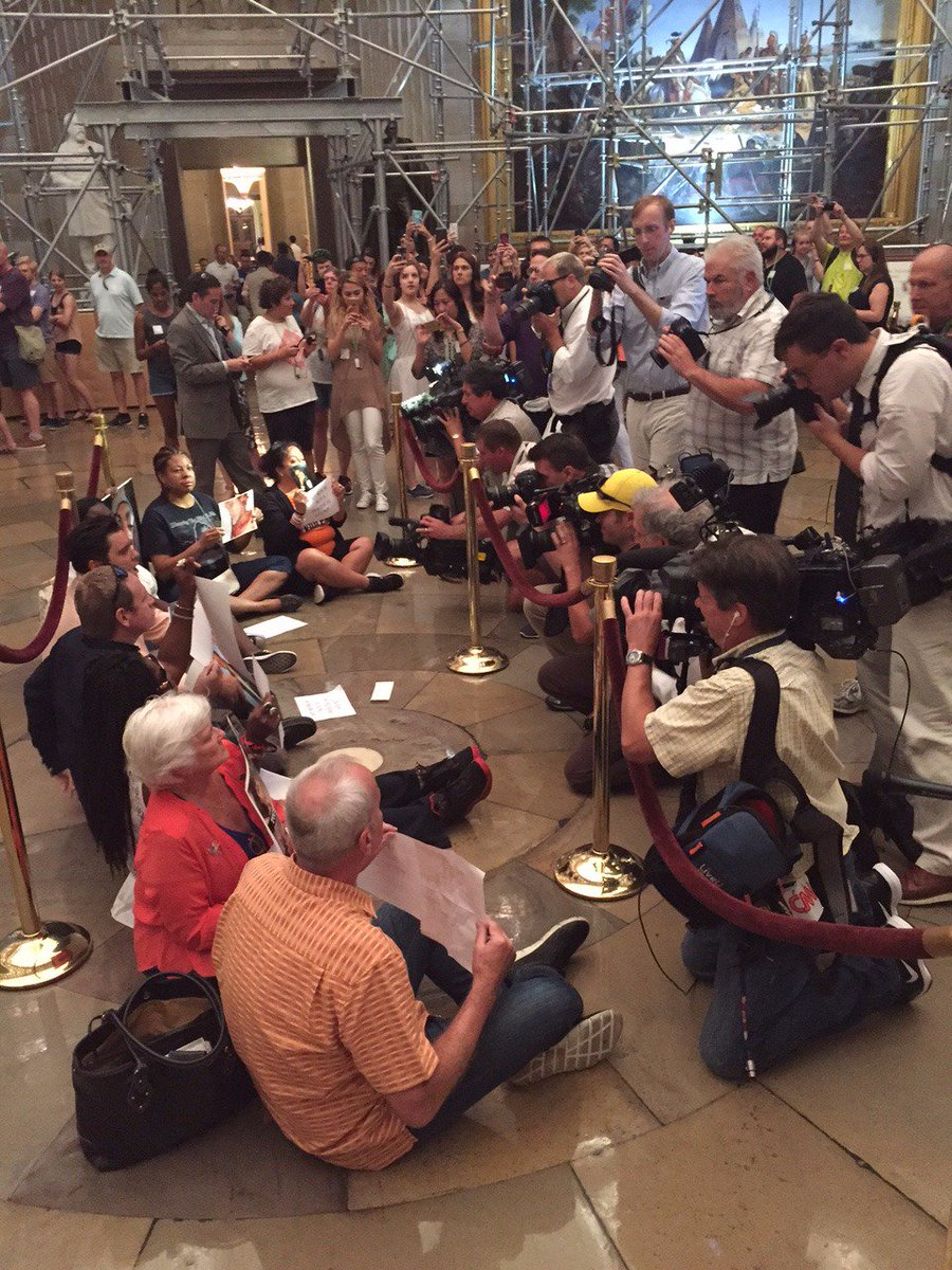 BREAKING: Gun violence survivors engaged in Sit-In protest in US Capitol Rotunda. https://t.co/0g3D97qILs #p2 #tcot https://t.co/nfubd7Ri1Y