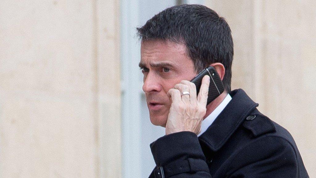 Manuel Valls a accepté de laisser son téléphone sécurisé à une puissance étrangère - https://t.co/YKzC3S9KmG https://t.co/6qOFxfomnd