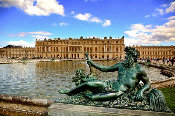 RT @NewYorkHabitat: @CheapOair A8: The PalaceofVersailles is a must-see!